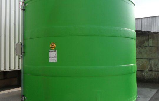 """Die """"Grünen Engel"""" dafür ist ein Aufbereitungszentrum in Nürnberg bekannt, so wurden die Haase-FLachbodentanks in der gewünschten Farbe geliefert."""