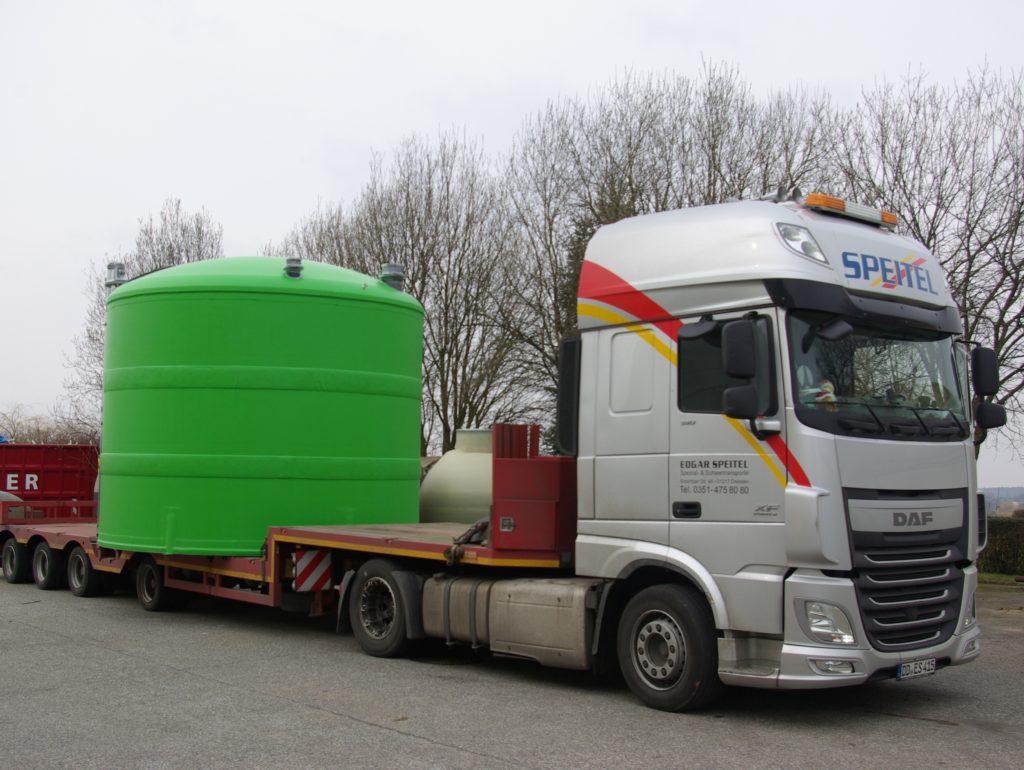 Der Tank hat einen Durchmesser von 4m und eine Höhe von 3,65m.
