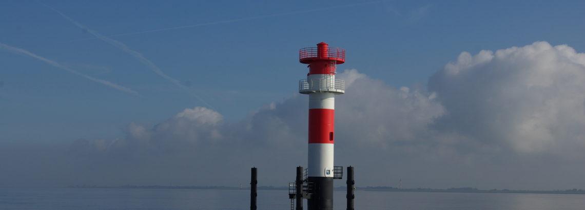 Das Richtfeuer Jappensand vor der Küste Wilhelmshavens
