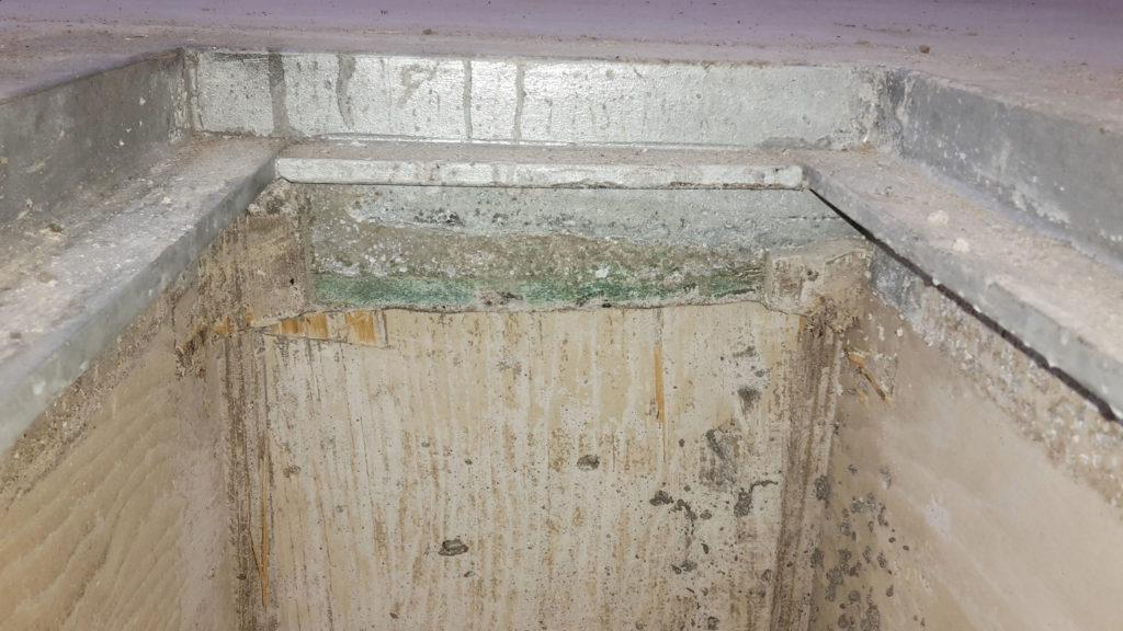GFK-Platten gleichen die Unebenheiten des Untergrundes aus