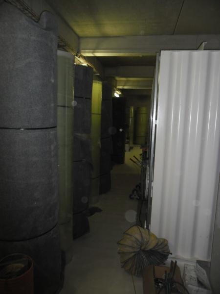 Die Tanks wurden in Einzelteilen zur Baustelle geliefert und Vor-Ort aufgebaut.