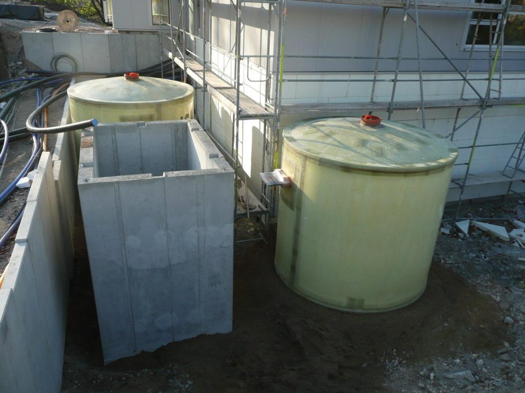 Gedämmt werden die Druckspeicher mit PU-Schaum und einer wasserdichten Hülle aus GFK.