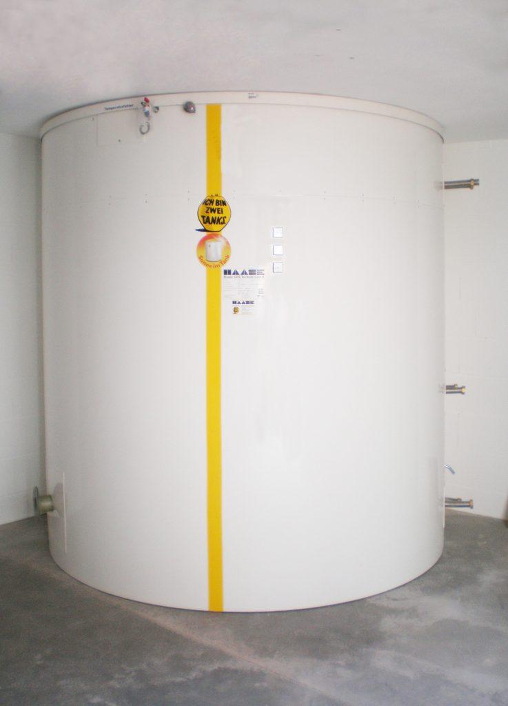 Fertig aufgebaut hat der Speicher einen Durchmesser von 2,50 m und ein Volumen von ca. 8.000 Litern.