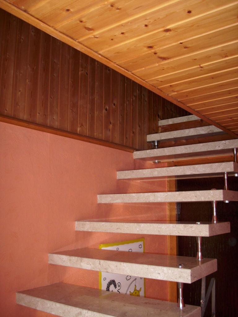 Der Zugang war nur über eine schmale Treppe möglich