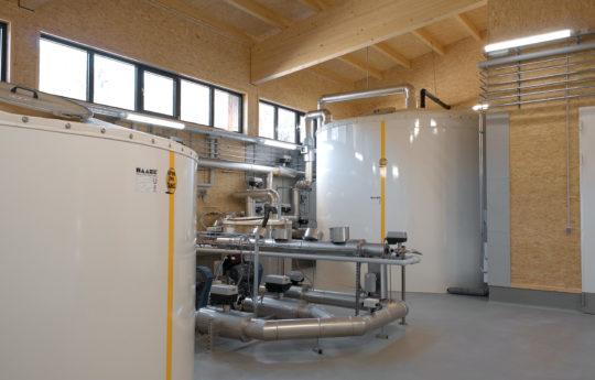 Diese Haase-Flachbodentanks wurden als Sammelbehälter, Beruhigungs- und Überlaufbecken sowie als Kaltwassertank vorgesehen.