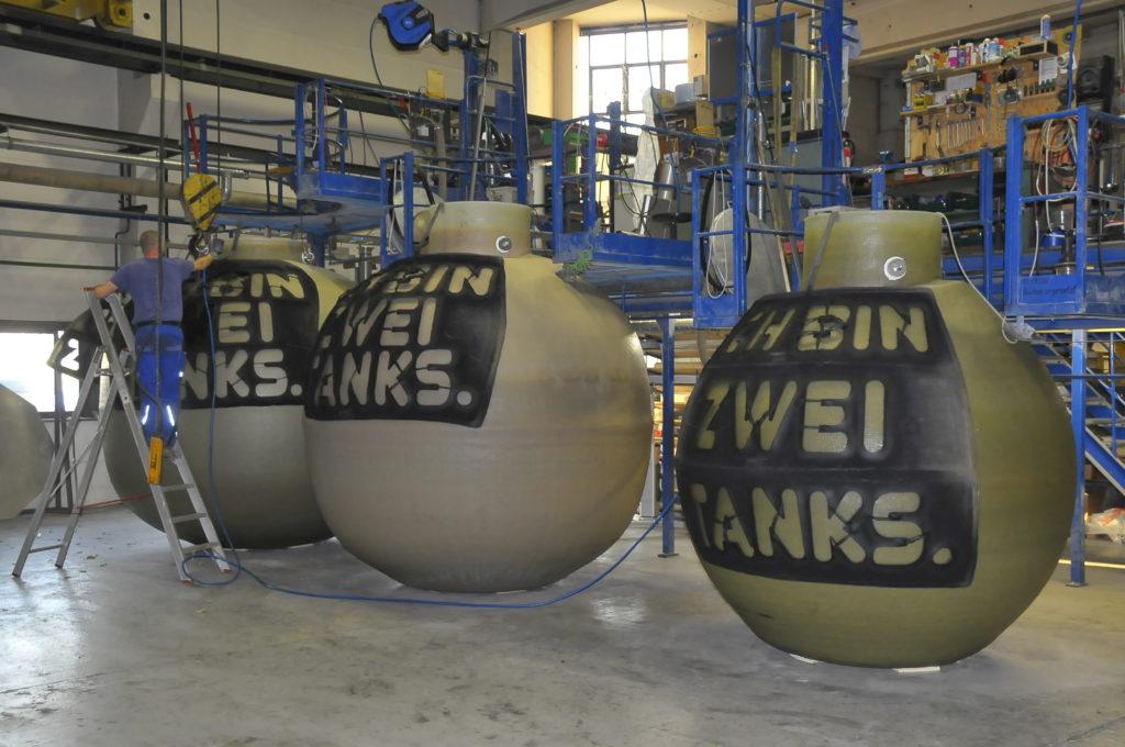 Seit 2003 werden die Erdtanks im Herstellerwerk in Großröhrsdorf produziert.
