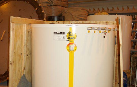 Für den effizienten Transport wurde für den Wärmespeicher eine entsprechend große Kiste genutzt.