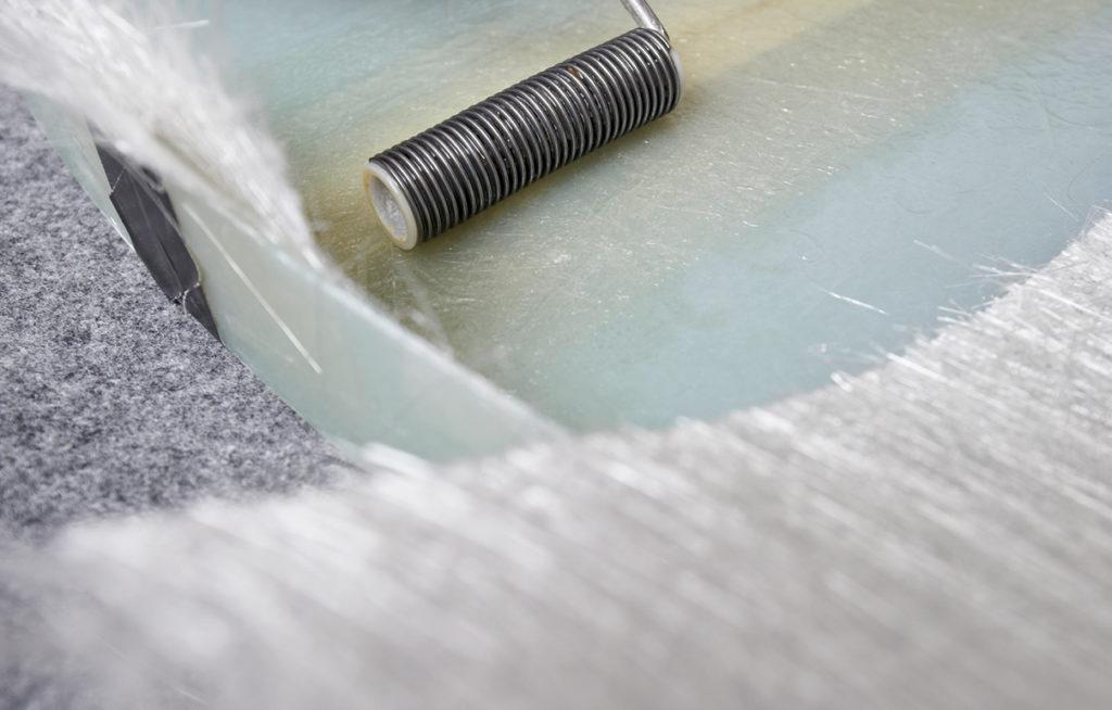 GFK: Glasfaserverstärkter Kunststoff ist ein Verbundwerkstoff aus Glas und Harz.