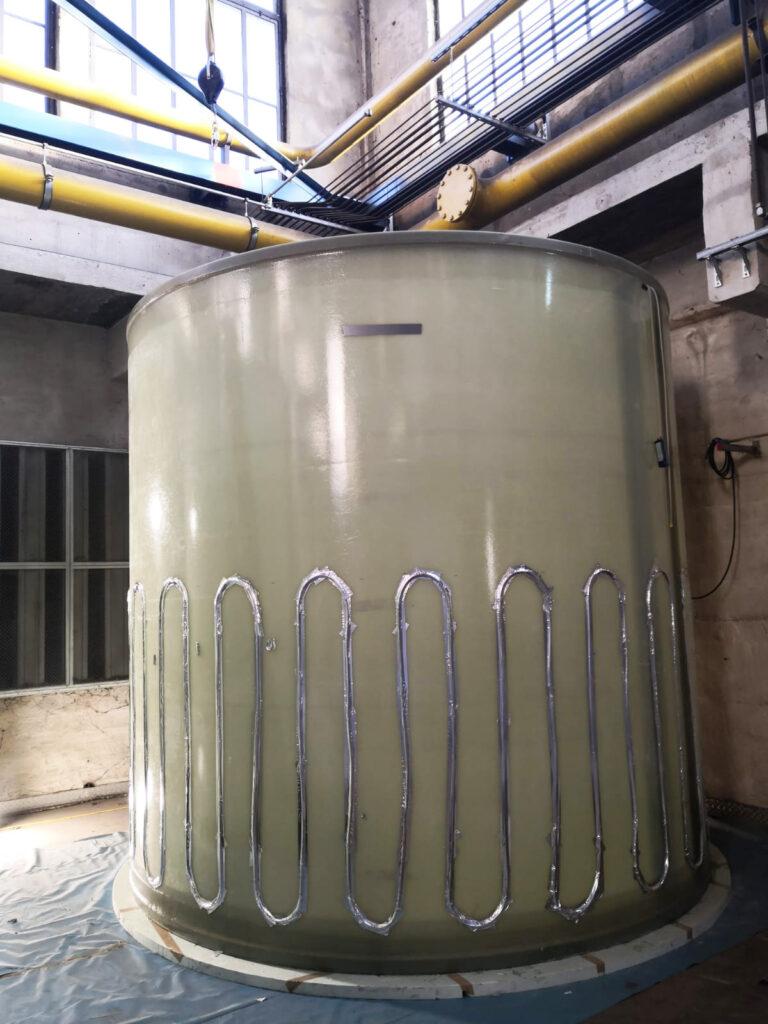Für die Frostfreiheit der Harnstofflösung wurde eine Behälterheizung installiert.