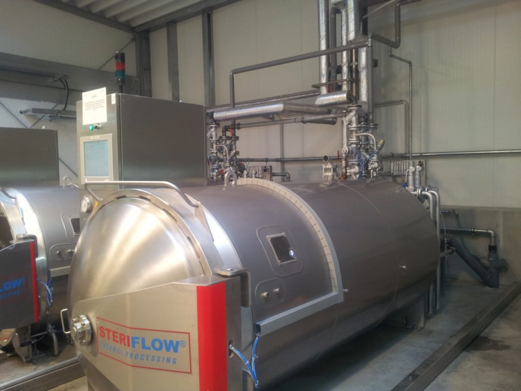 The two autoclaves are cooled by the waste heat.