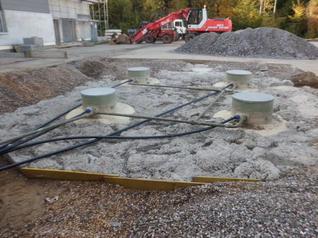 The four underground tanks were equipped with a buoyancy protection made of concrete.