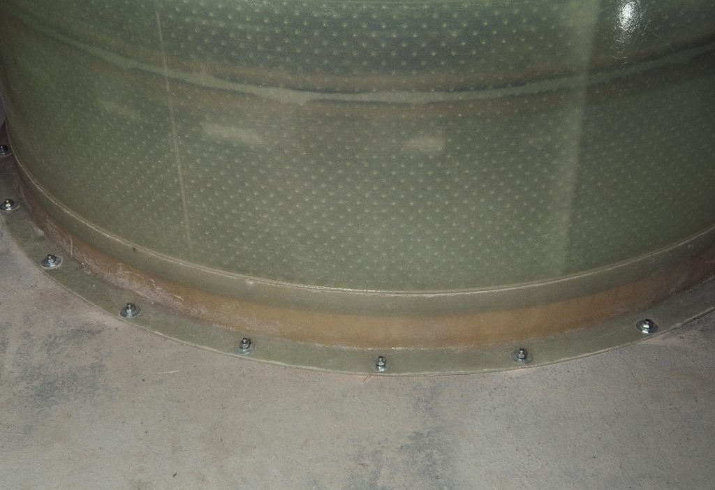 The on-site assembled Haase basement tank with buoyancy control is firmly anchored in the ground.