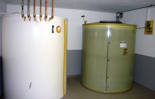 Hot water tanks and basement tanks can be installed in combination as a hybrid solution.